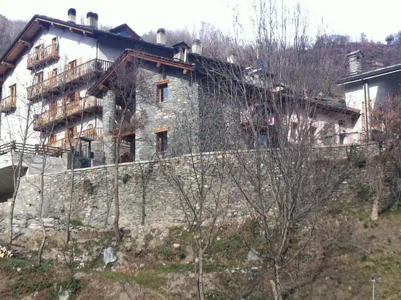 Nus - Ristrutturazione edificio residenziale - Lavori ultimati